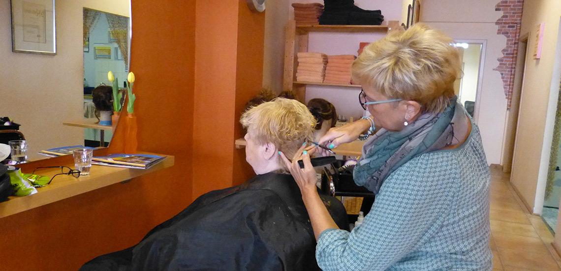 Friseurmeisterin Peggy Gräfe